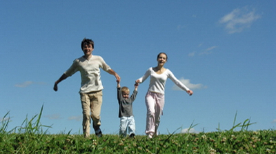 http://cambiandolavida.files.wordpress.com/2009/03/familia_feliz.jpg
